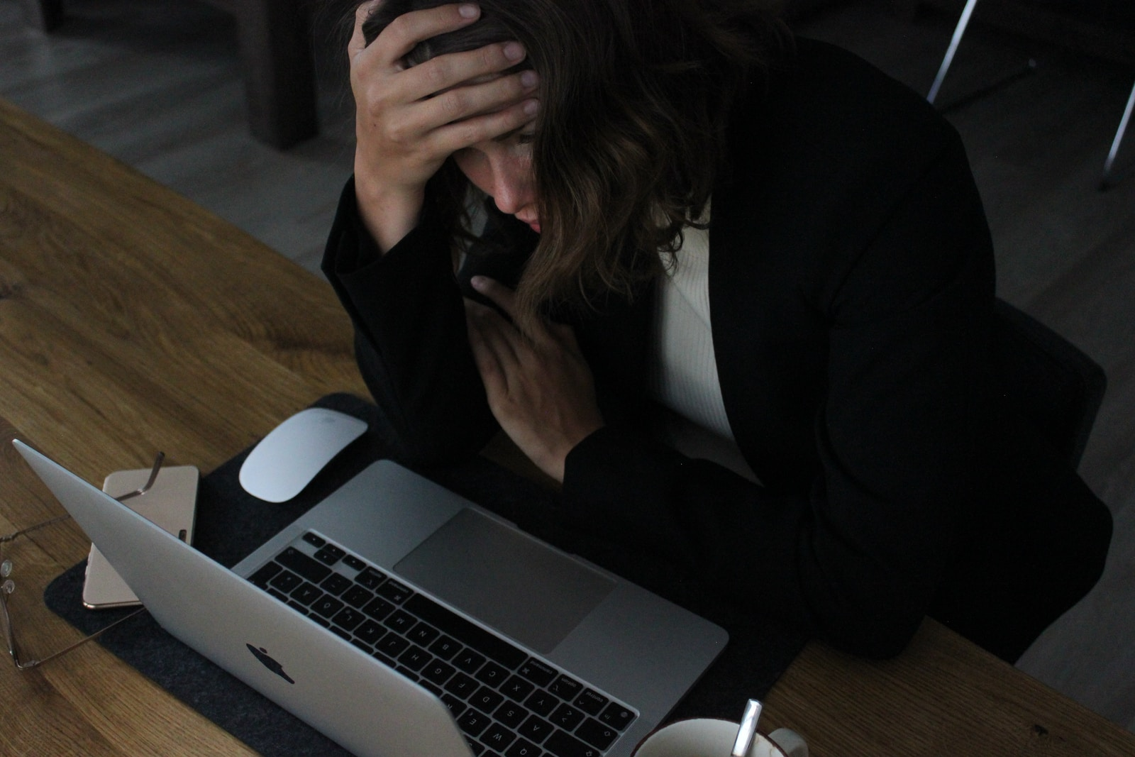You are currently viewing Why cortisol can mess with you and how to stop it